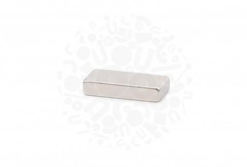 Неодимовый магнит прямоугольник 20х10х4 мм