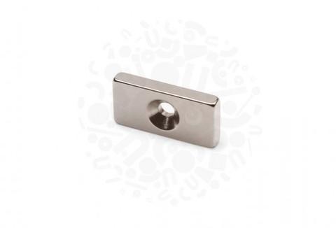 Неодимовый магнит прямоугольник с зенковкой 20 х 10 х 3 (d 3/6,5)